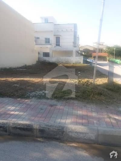 10 Marla Corner Plot For Sale In Bahria Town Phase 4 Islamabad