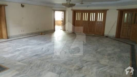 Well Maintained Luxury House In F11