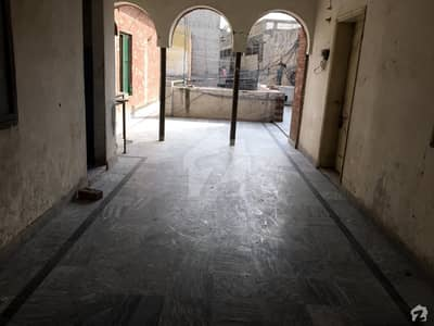 Commercial Flat Available For Rent