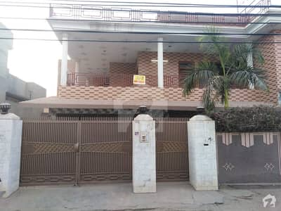 33 Marla Triple Storey House For Rent