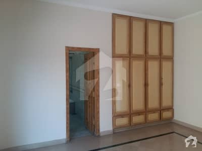 Kanal Upper Portion Newly Renovated 3 Master Beds Store