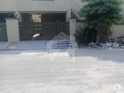 10 Marla Facing Park Brand New Portion For Rent In Punjab Society