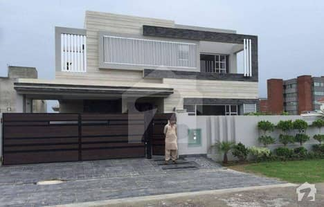 Unique And Stylish 1 Kanal House In Bahria Town