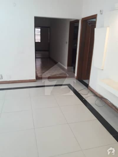 3 Bed Lower Portion Available For Rent