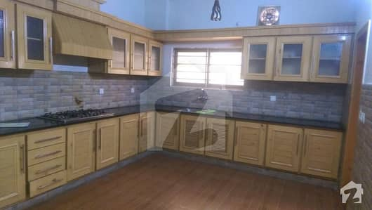New One Upper Potion Near To Family Park 3 Bedrooms Available For Rent