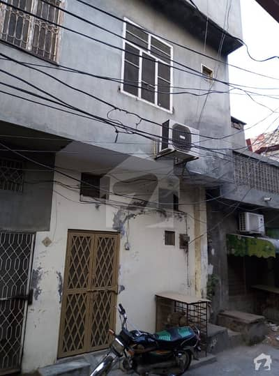 Triple Storey  House For Sale  Near To Road