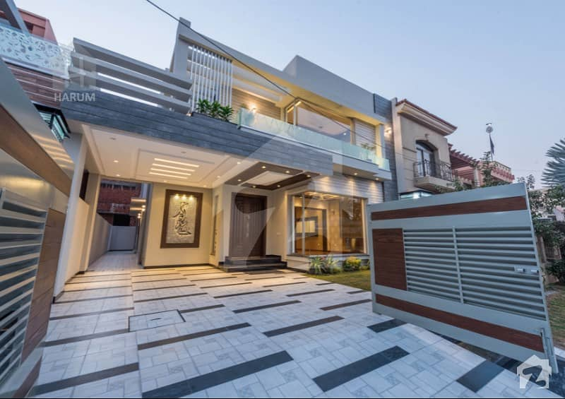 Near Park 10 Marla Brand New Dream Palace Almost Final Price