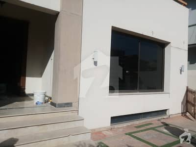 E-11 4 Size 500 Sq Yard Triple Storey  House For Office Use  For Rent Out Class Design Palace In E-11/3 Near Main Double Road