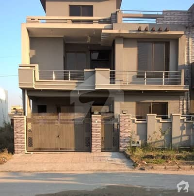 8 Marla Double Storey In Minor Use Is Available For Sale In Jinnah Garden