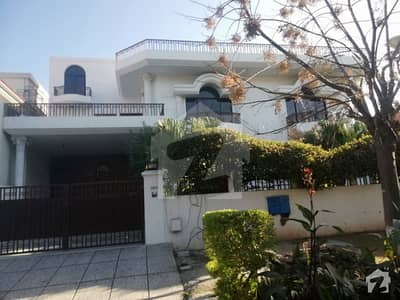 F-8/4 600 Yd Triple Storey House For Sale