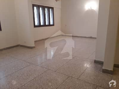 3 Bed D D Spacious Flat For Rent