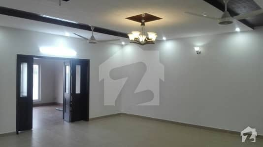 Luxury Bungalow Is Available For Sale At Jinnah Town