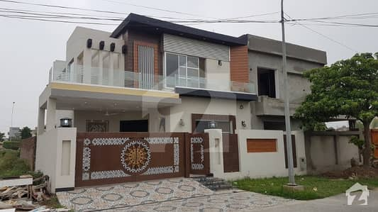 10 Marla Out Class Beautiful Bungalow For Sale In Dha Phase 8 Near To Park And Main Road