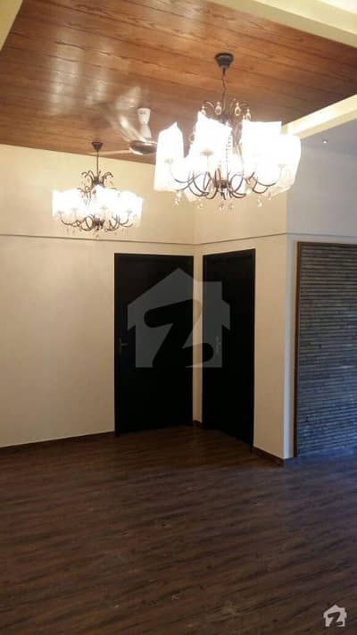 04 Bedrooms Apartment On Sale In Shaheed-e-millat
