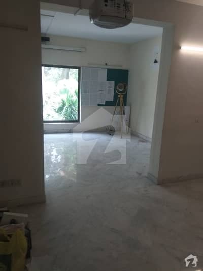 Al Noor Offer 30 Marla House For Rent In Cantt