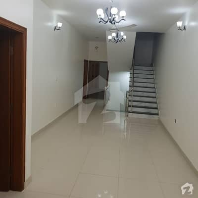 House Is Available For Sale In Clifton Block 1