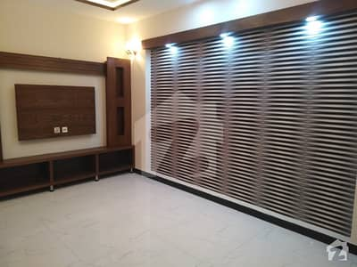 1 kanal double story very good house 7 beds for rent in tariq gardens