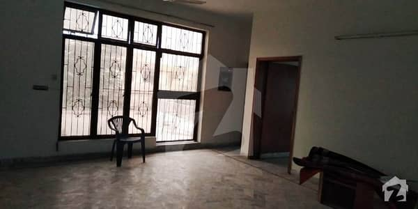 1 Kanal  Beautiful Royal Place Out Class Modern Luxury Upper Portion For Rent In Dha Phase I