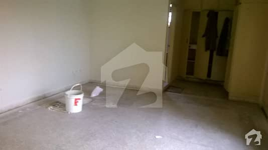 G 104 30x50  Ground portion for rent