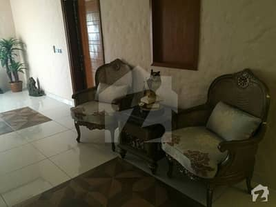 FEMALE fully furnished 1bedroom attached washroom comm kitchen loung in benglow Dha6Rent