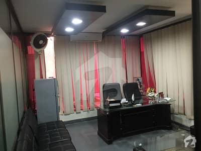 کلفٹن ۔ بلاک 9 کلفٹن کراچی میں 8 مرلہ دفتر 1.6 لاکھ میں کرایہ پر دستیاب ہے۔