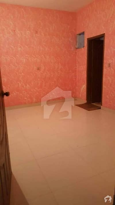 Flat For Sale Having 2 Bed Lounge On Tariq Road