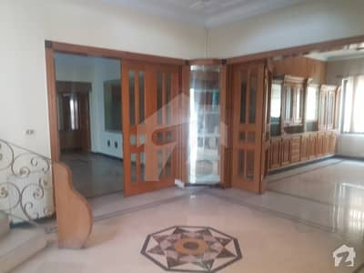 A Decent House Double Storey 6 Bed Rooms 60x100 666 Sq Yards Is For Sale