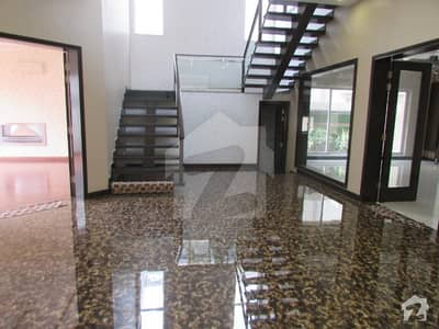 1  kinal brand new  house for sale