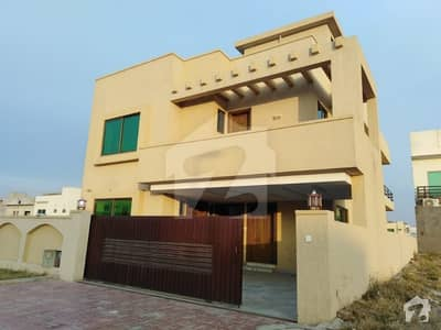 Beautiful Location 10 Marla Double Unit For Rent in Bahria Town
