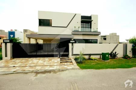 1 Kanal Super Mazhar Munir Design Luxury Double Height Lobby Bungalow For Sale Near Park