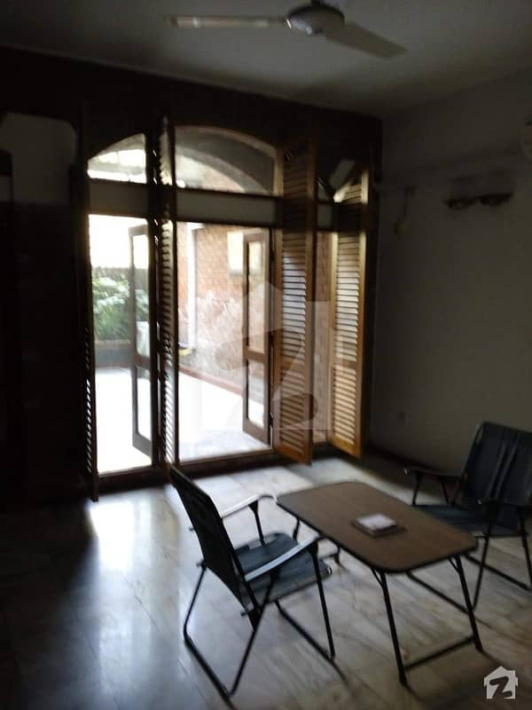 3 Kanal Brand New 5 Bed  House In Main Tufail Road