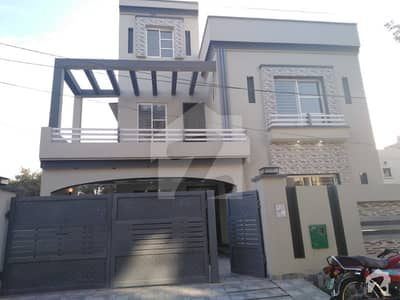 10 Marla Brand New Excellent Location For Sale