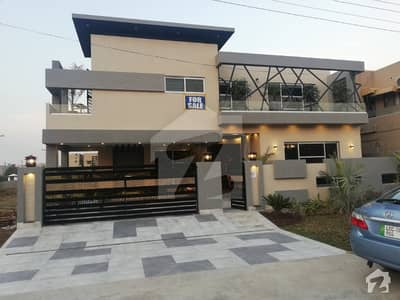 20 Marla Brand New Glorious Bungalow For Sale