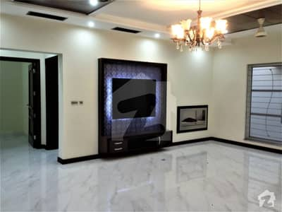1 Kanal New Luxury Lower Portion House For Rent