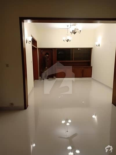 F8 House Is Available For Rent 4 Bedrooms