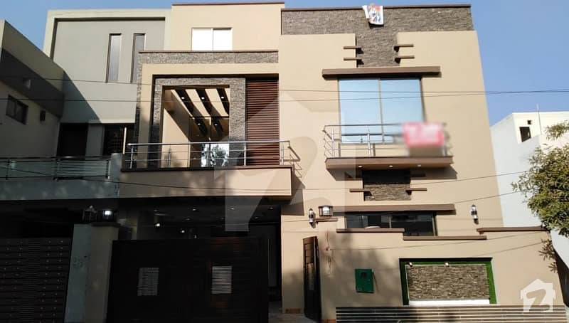 5. 33 Marla Brand New Vip Stylish House For Sale In Bahria Town Bahria Town  Tulip Block Bahria Town  Sector C Bahria Town Lahore Punjab Home Loan 5 33 Marla house  3 bed with attach bath  2 tv lounges 2 American style kitchens 2 fire place Imported sanita