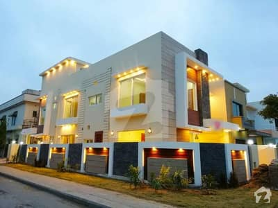 10 Marla Out Class Constructed House In Bahria Town