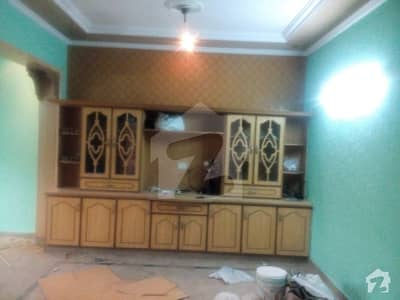 5 marla BEAUTIFUL house in Johar Town BLOCK J2 Near EMPORIUM MALL