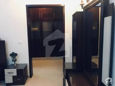 DEFENCE PHASE 6 FULLY FURNISHED 1 ROOM FOR RENT IN BUNGALOW