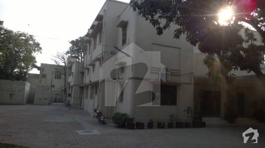 Beautiful House Available For Multinational Company Or School Or Collage