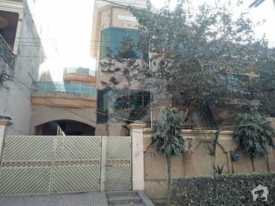 Golden Opportunity 12 Marla Triple Storey House Fr Sale Near Park
