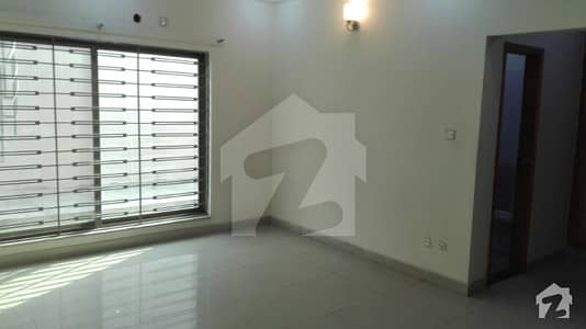 1 Kanal House For Rent On Out Class Location In Bahria Town Phase 4