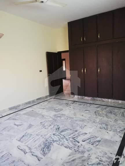 G-11 Real Pics - 500 Sq Yards Upper Portion 4 Bed DD Servant Quarter Marble Flooring