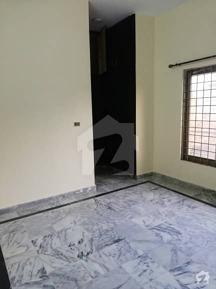 G11  500 Sq Yards Upper Portion Separate Gate 3 Beds Dd Marble Flooring