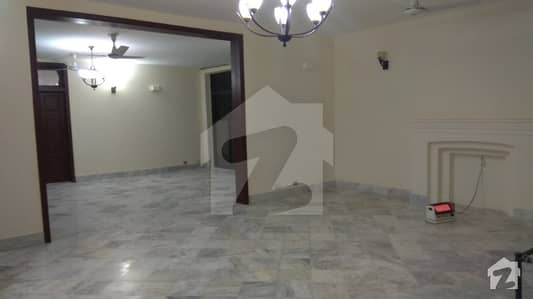 F-10 House 1066 Sq Yd 6 Bedrooms With Attached Stylish Bathrooms For Rent
