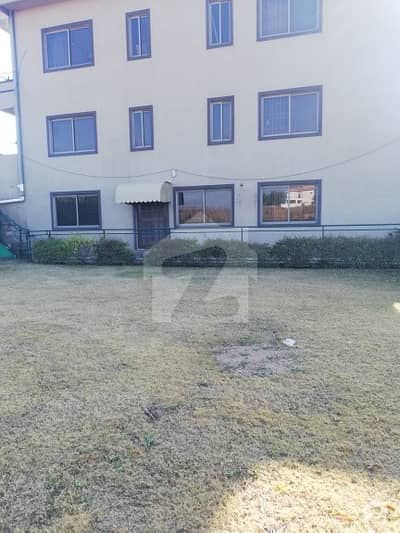 G-13 Real Pictures Lower Ground 30x60 With Extra Lawn Water Boring Separate Meters