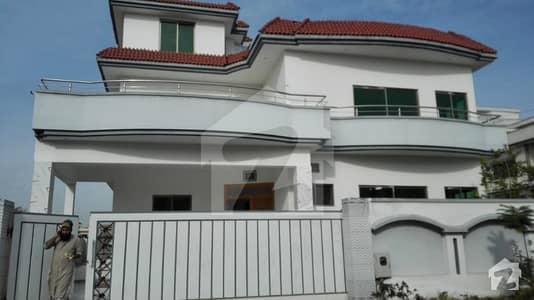 New Corner House 5 bedroom  1 Kanal house for Rent