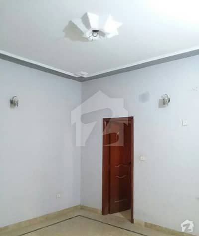 400 sq. yd House For Rent at Kaneez Fatima Society.