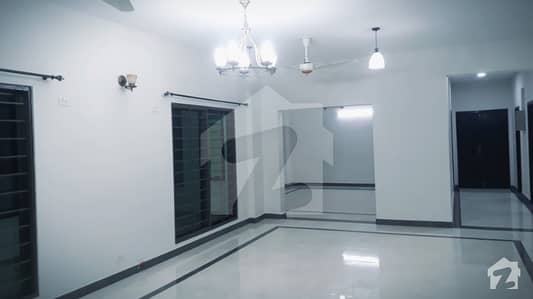 12 Marla 4 Bed Brand New Ground floor Flat For Rent Askari 11 Lahore