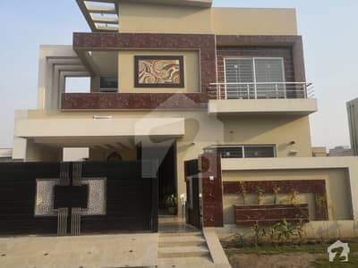 LEADS OFFER 10 MARLA BEAUTIFUL ELEVATION CONSTRUCTION BUNGALOW FOR SALE ON PRIME LOCATION